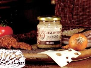 Ínyenc - magos mustár Kiváló zamata egyedülálló. A szájban pukkanó fekete mustármagokkal válik csípőssé. Igazi ínyenceknek való csemege.