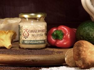 Kertész - medvehagymás mustár Az igazi saláta-mustár. Kiválóan alkalmas még sajtételek és tejfölös, majonézes ételek ízesítésére.